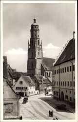 Postcard Nördlingen im Nördlinger Ries Schwaben, Straßenpartie, Häuser, Kirche