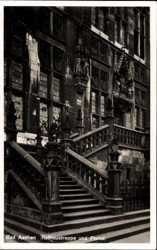 Rathaustreppe und Portal