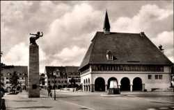 Stadthaus, Gedenksäule