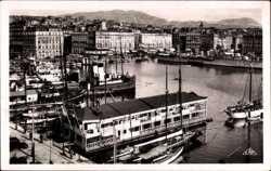 Port, Vue vers le quai des Belges