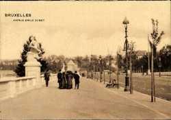Avenue Emile Demot